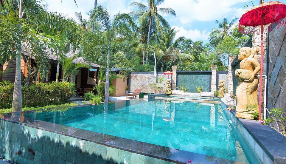 ZenRooms Lombok Raya Senggigi Lombok - Kolam Renang