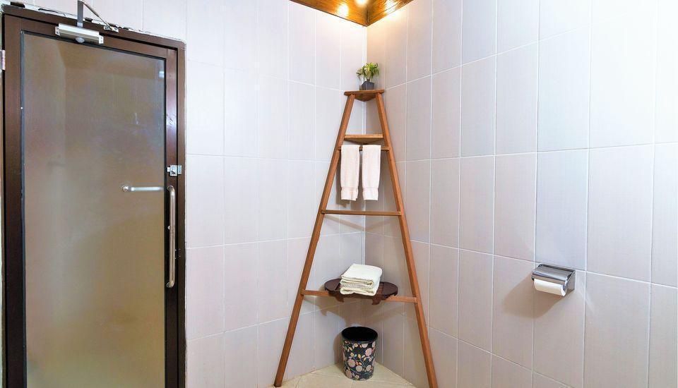 ZenRooms Lombok Raya Senggigi - Kamar mandi