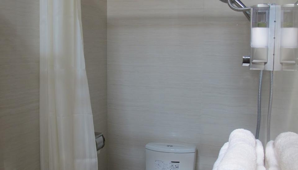 Nice Guest House Bandung - Bathroom
