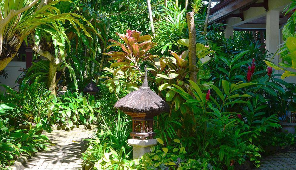 Flamboyan Hotel Bali - Taman