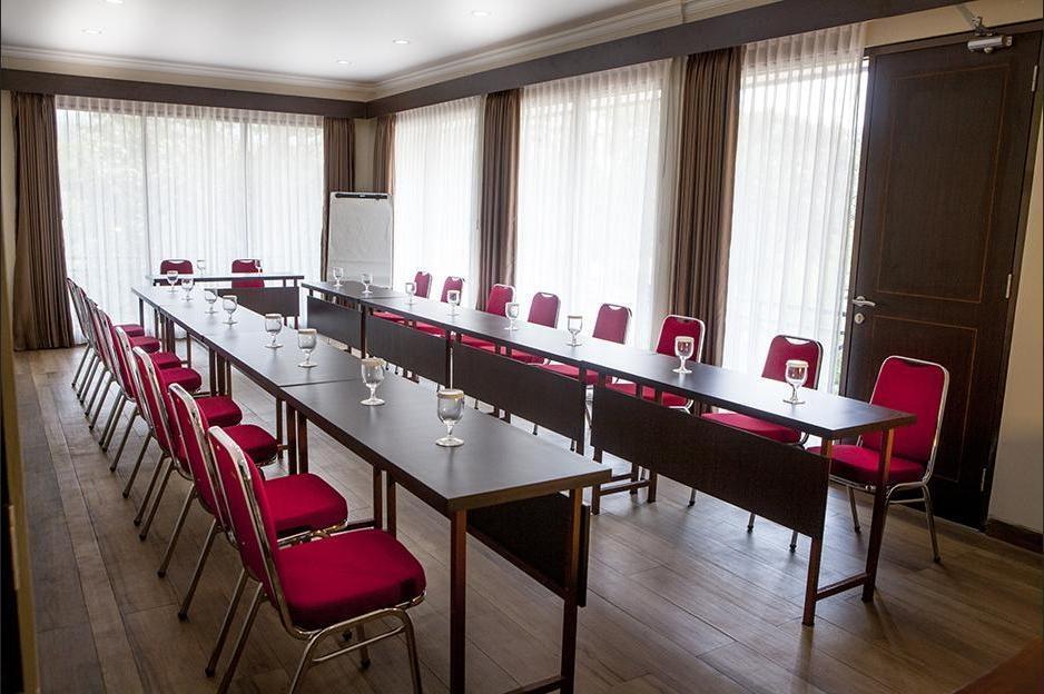 Villa Sawah Resort Managed by Salak Hospitality Bogor - Meeting room