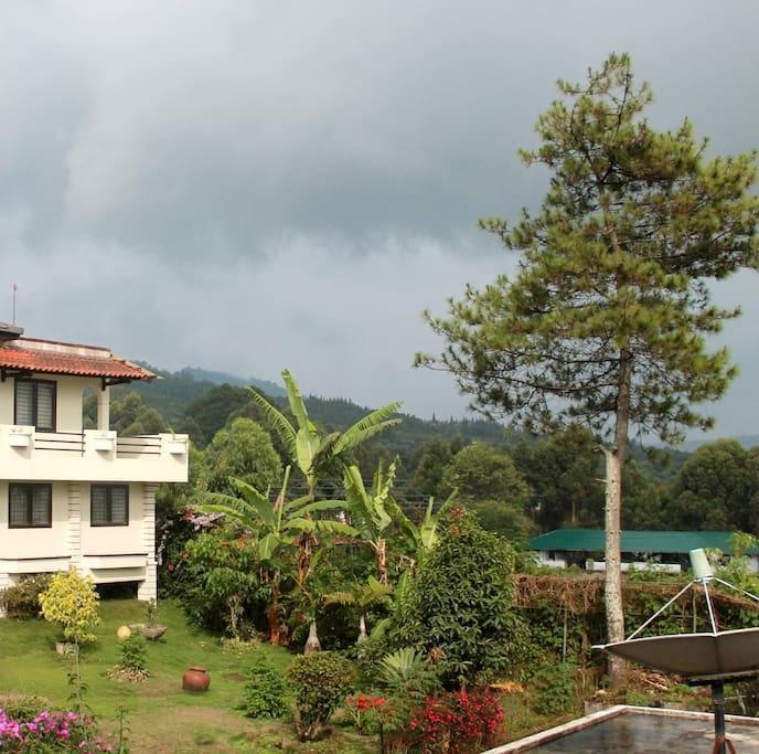 Villa Tandera Istana Bunga Lembang Bandung - Pemandangan