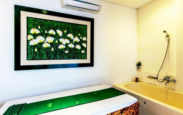 Villa Damar Bandung - Bathroom