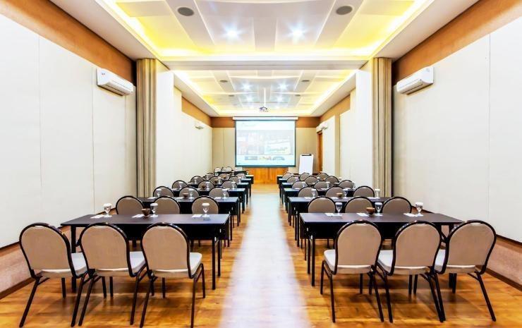 Villa Damar Bandung - Meeting Room