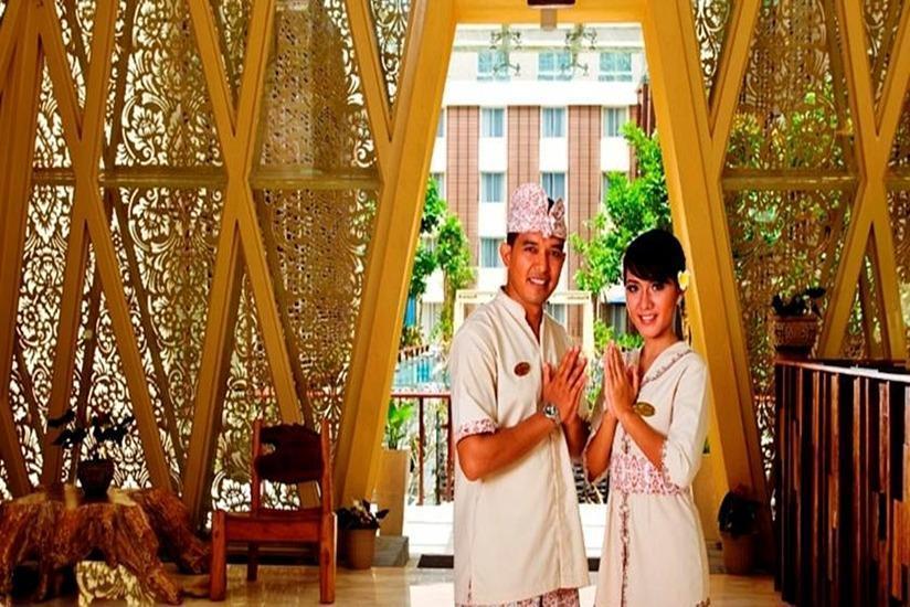 Ananta Legian Hotel Bali - Resepsionis