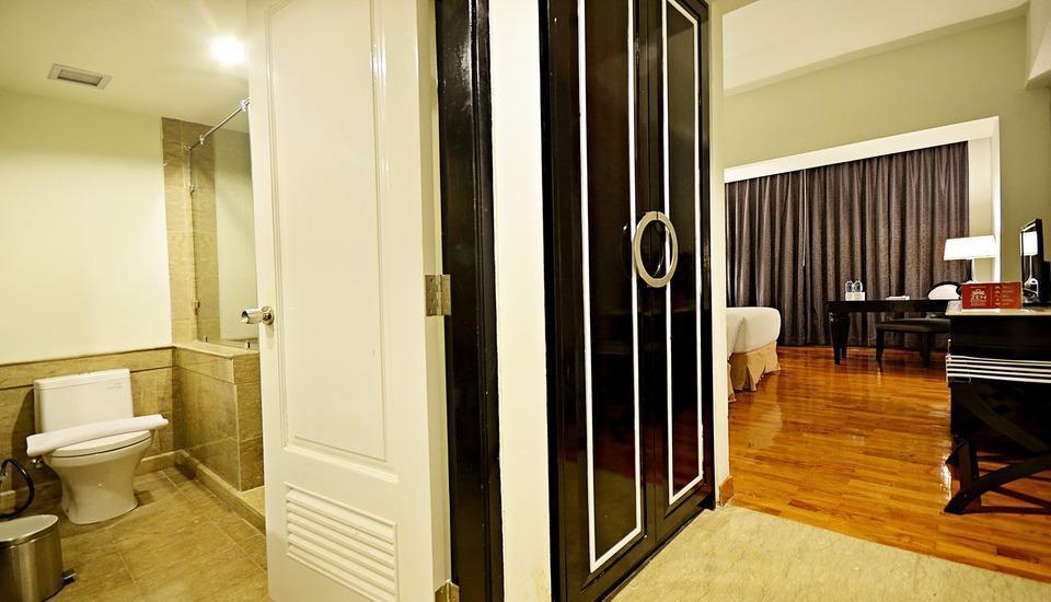 ZEN Premium Mampang Tendean Jakarta - Interior Kamar