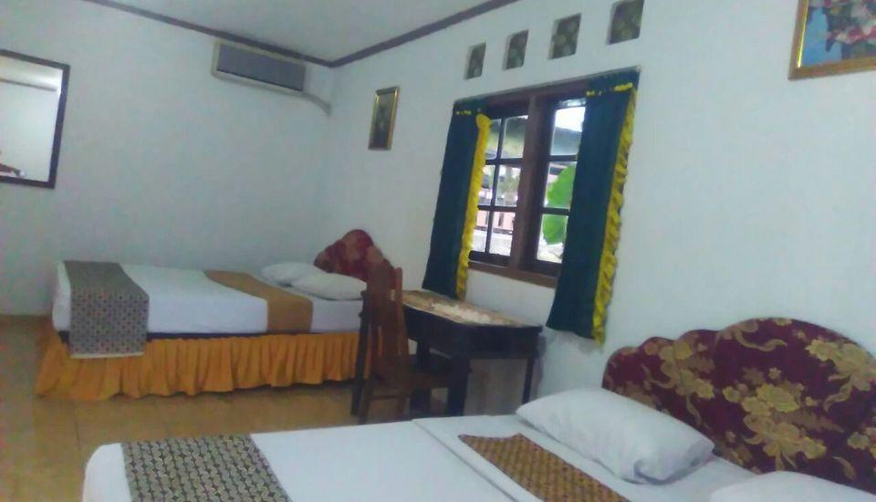 Putri Duyung Guest House Karanganyar - Family room