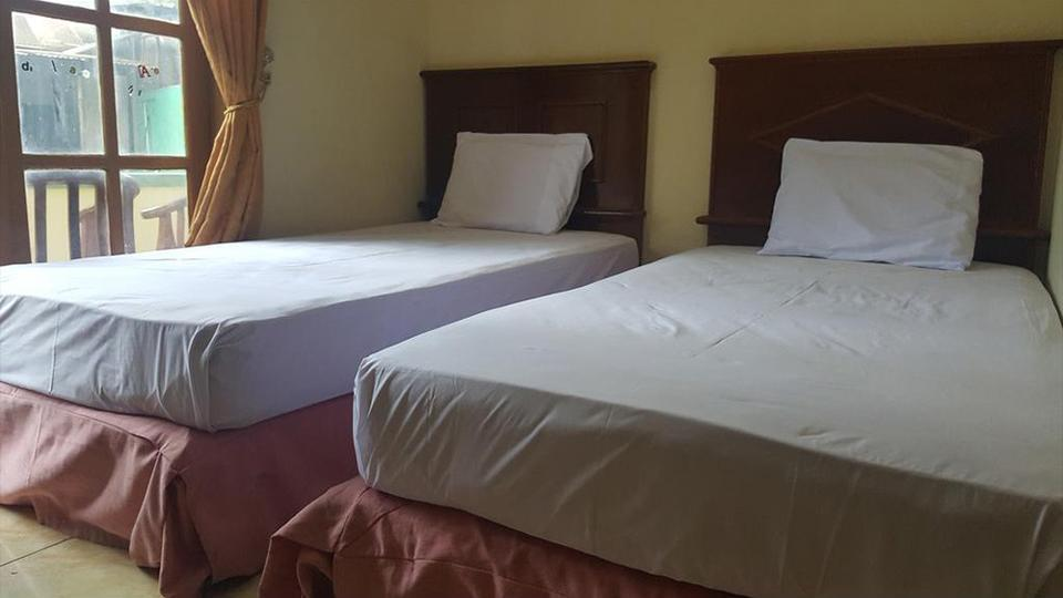 Putri Duyung Guest House Karanganyar - Room