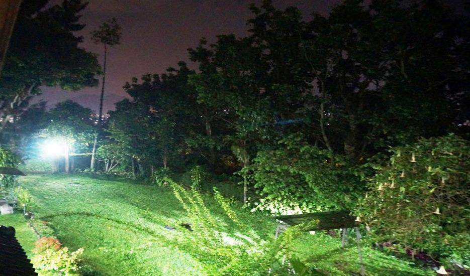 Pondok Buah Sinuan Bandung - Halaman Rumput untuk area bermain anak