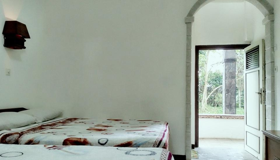 Pondok Buah Sinuan Bandung - Family Bedroom for Max 5 Person with Terrace
