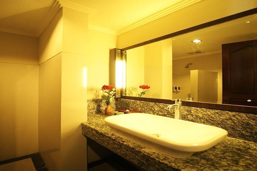 Taman Suci Hotel Bali - Kamar mandi