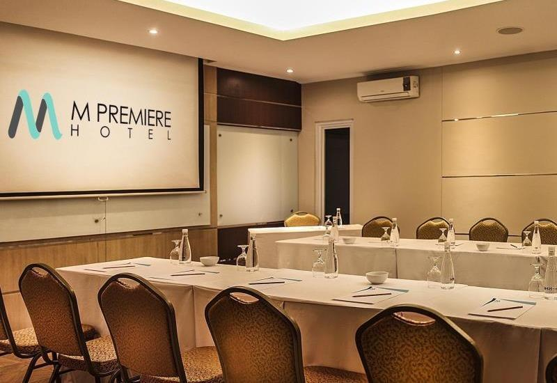 M Premiere Hotel Bandung - Meeting Room