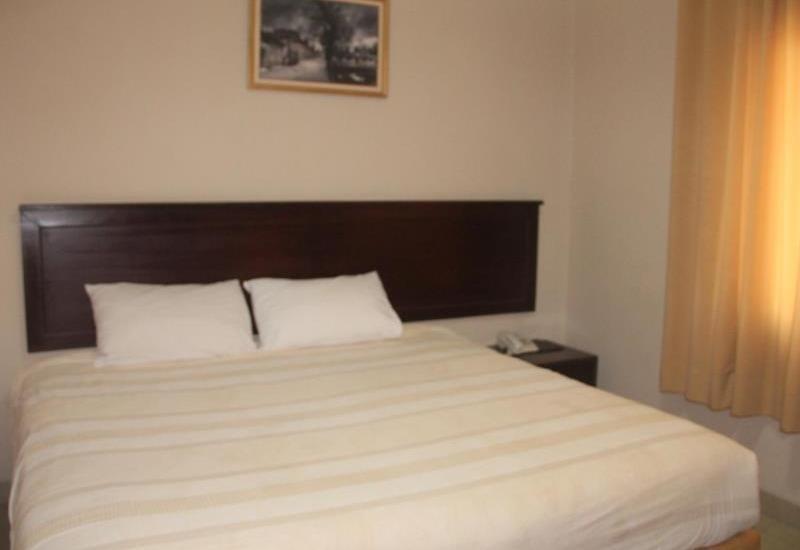 Hotel Cepu Indah Blora - room
