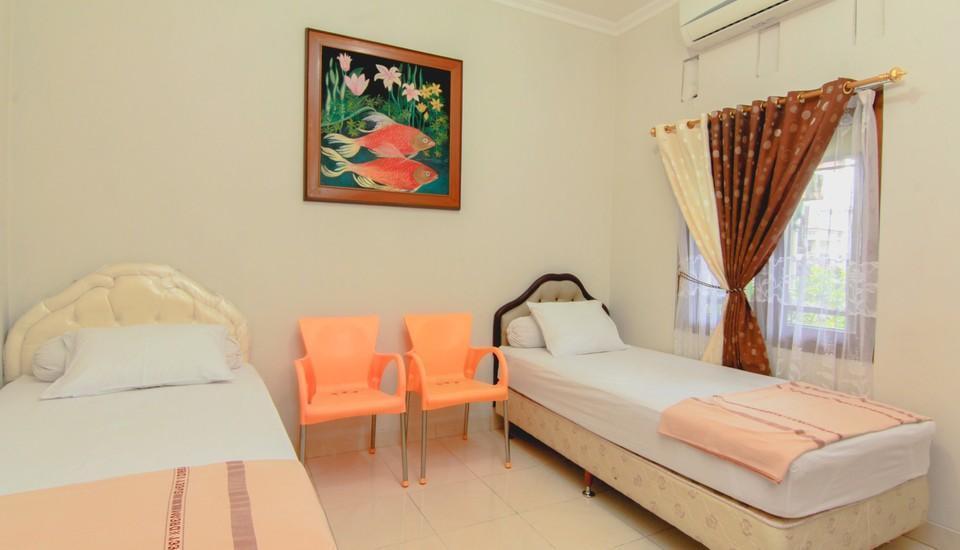 Sabana Homestay Yogyakarta - twin room 2