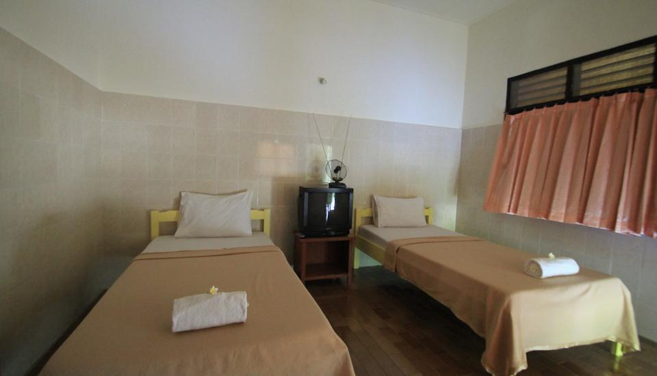 Kodja Beach Inn Kuta - Standard Room with Fan Hot Deal 50% Room Only