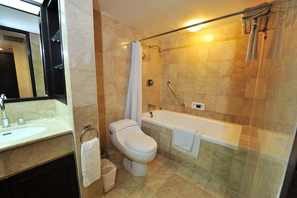 Hotel Borobudur Jakarta - Garden Wing Suite