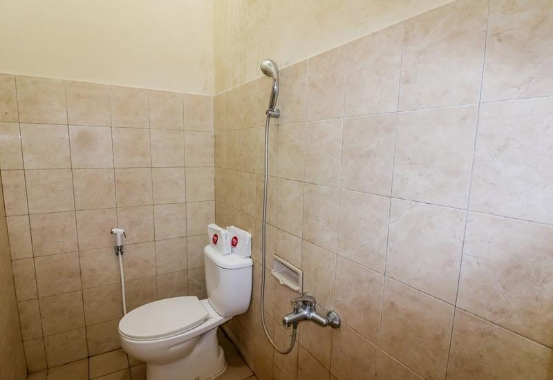 NIDA Rooms Yogyakarta Pramuka - Kamar mandi