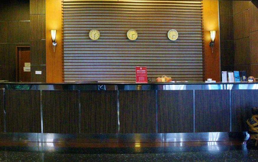 ZEN Rooms near Grand Indonesia Mall Jakarta - Resepsionis