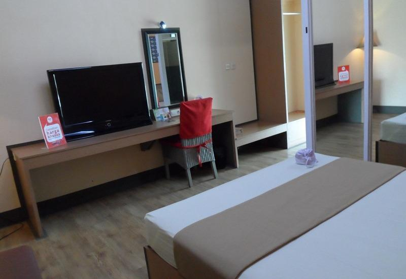 NIDA Rooms Yani 39 Cirebon - Double Room Single Occupancy Regular Plan