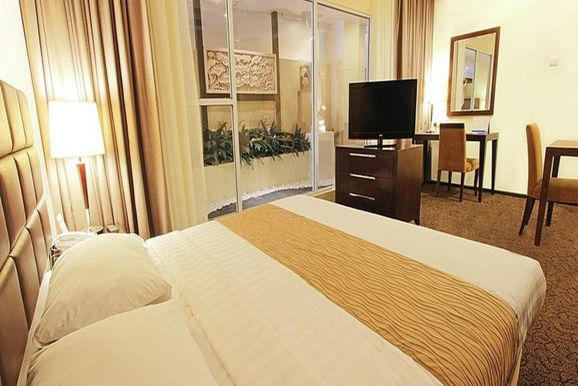 Harmoni One Convention Hotel Batam - Junior Suite Regular Plan