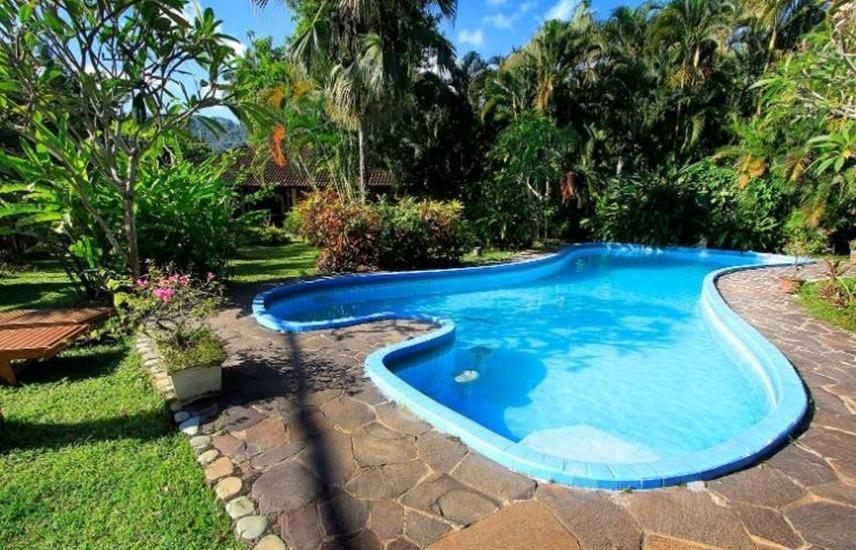 Pesona Bulan Baru Hotel Lombok - Kolam Renang