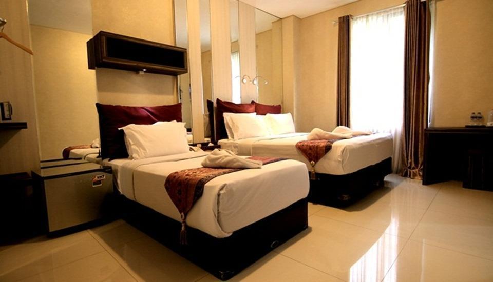 Latief Inn Hotel Bandung - Ruang Keluarga
