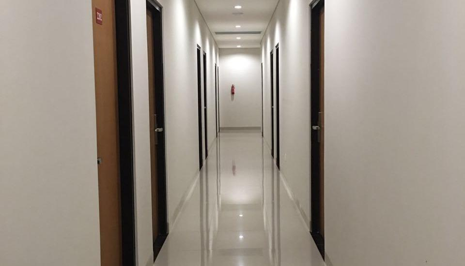 Cherry Homes Express Hotel Bandung - koridor
