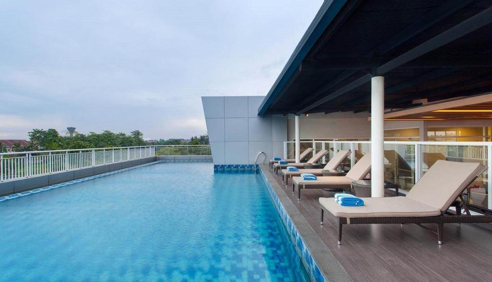 Days Hotel and Suites Jakarta Airport Tangerang - Kolam Renang
