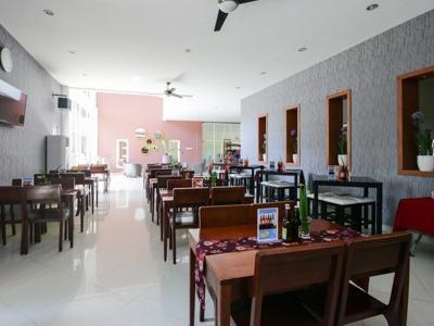 Airy Gadingrejo Ahmad Yani 55 Pasuruan - Restaurant