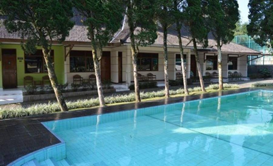 Lembah Sarimas Hotel Subang - Kolam Renang