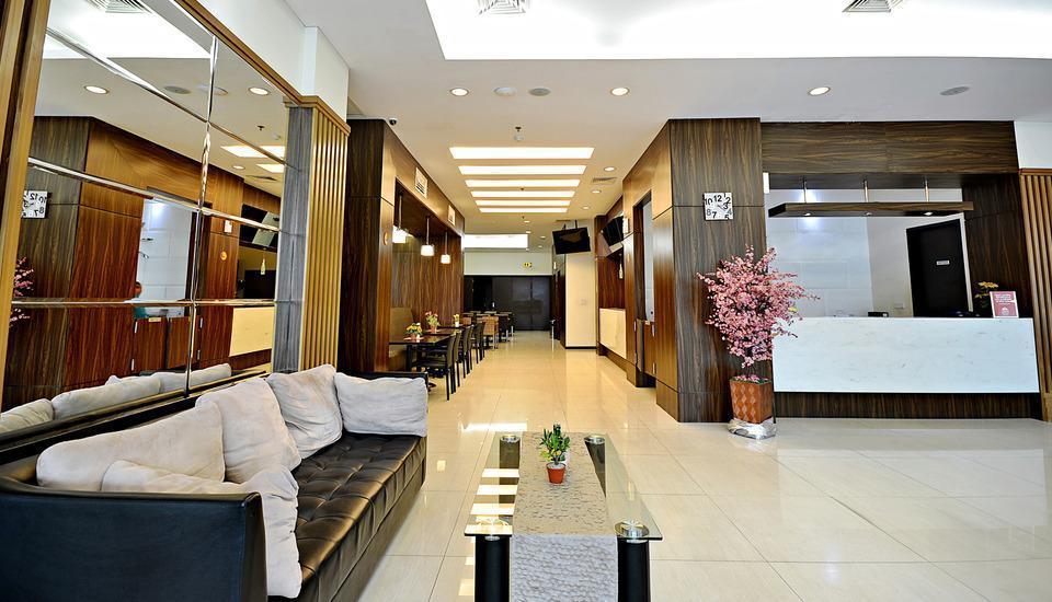ZenRooms Kuta Sentral Parkir 2 Bali - Lobi