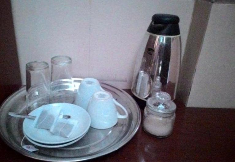 Hotel Surakarta 2 Tulungagung - Pembuat kopi dan teh