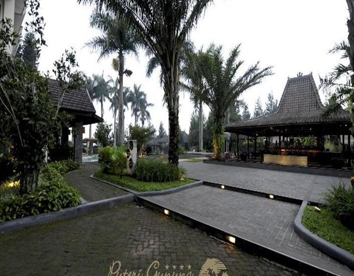 Puteri Gunung Hotel Lembang - Bale-Bale
