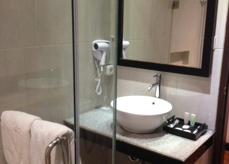Puteri Gunung Hotel Lembang - Kamar mandi