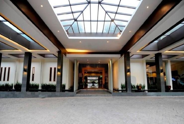 Puteri Gunung Hotel Lembang - Appearance