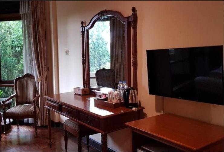 Puteri Gunung Hotel Lembang - Superior Flat Room