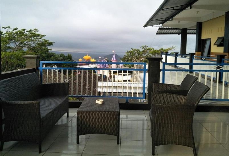 Batuque Town Villa Malang - Balcony