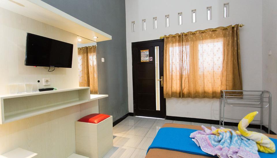 Batuque Town Villa Malang - Superior Family Room Only Promo2019