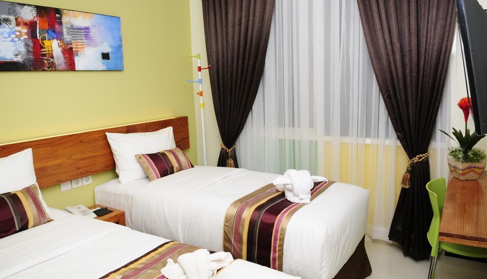 BIZ Boulevard Hotel Manado - Kamar Superior Twin