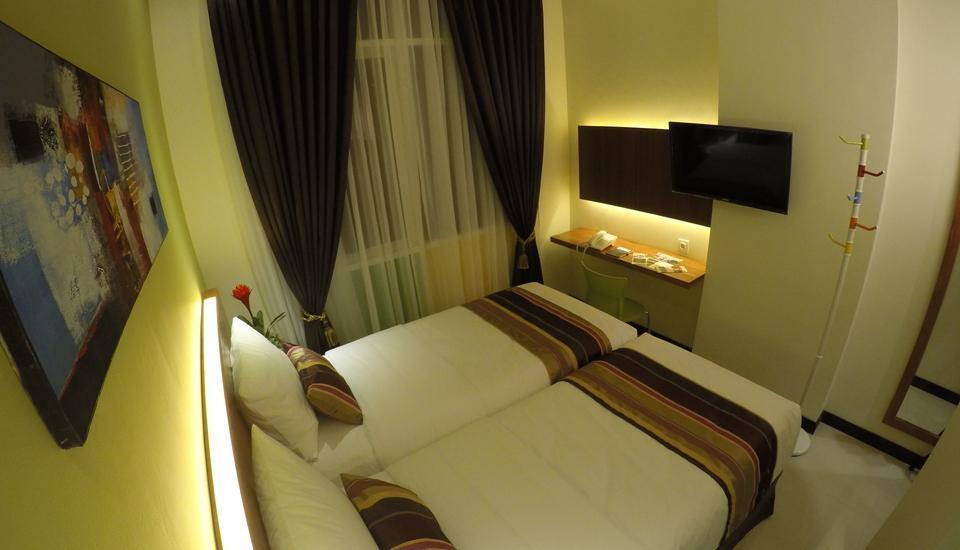 BIZ Boulevard Hotel Manado - Twin tempat tidur