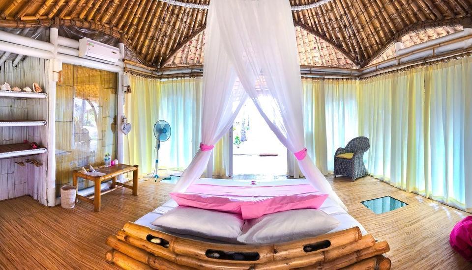 Coconut Garden Beach Resort Maumere - Kamar tidur
