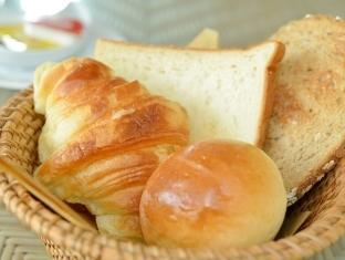 Kakiang Bungalow Bali - Fresh bread basket from our bakery
