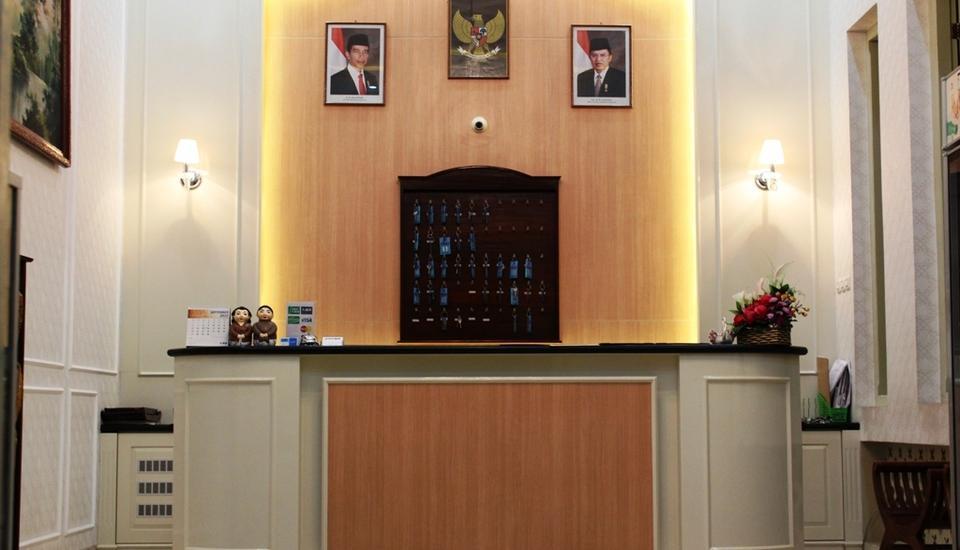 HOTEL BESAR Purwokerto - Lobby