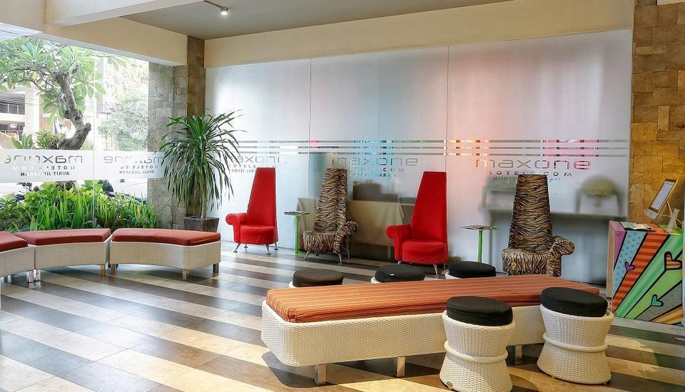 MaxOne Hotels Bukit Jimbaran - Lobi