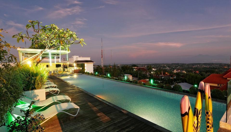 MaxOne Hotels Bukit Jimbaran - Kolam Renang