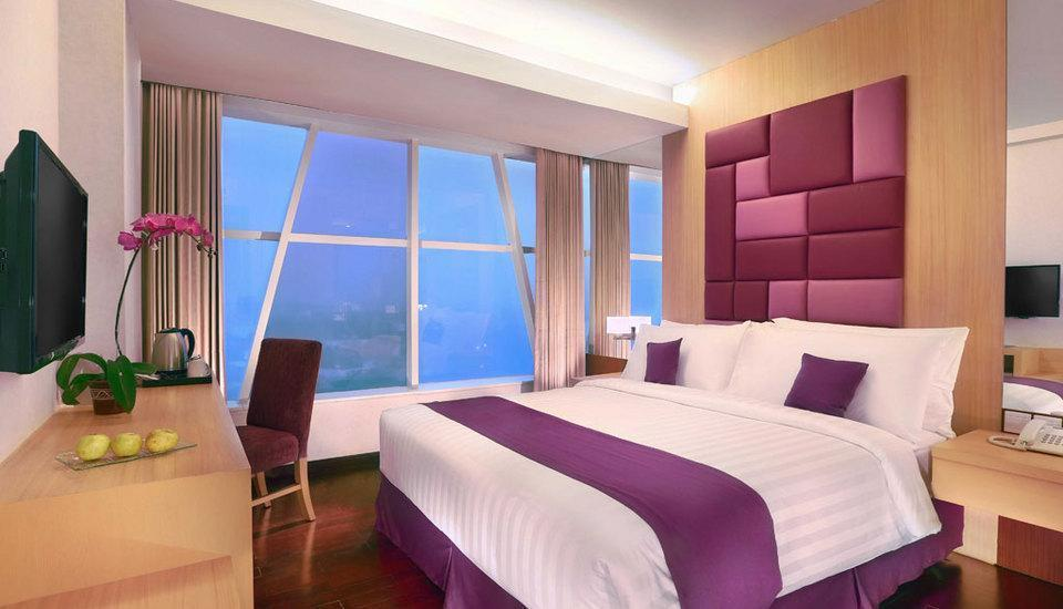 Quest Hotel Surabaya - Superior Room Only Regular Plan