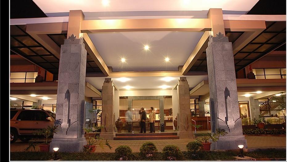 Sari Ater Hotel Subang - Lobi