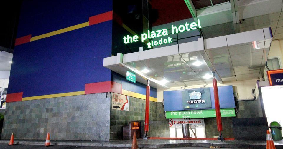The Plaza Hotel Glodok - Hotel Entrance