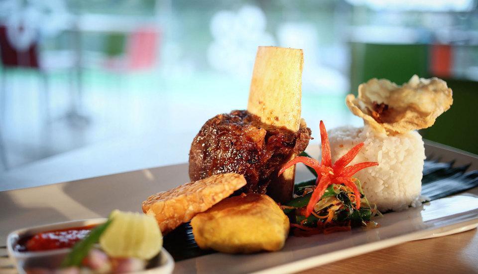 Fave Hotel Cililitan - Food