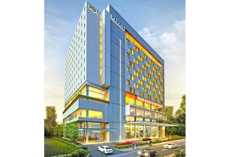 HARRIS Hotel Surabaya - Tampilan Luar Hotel